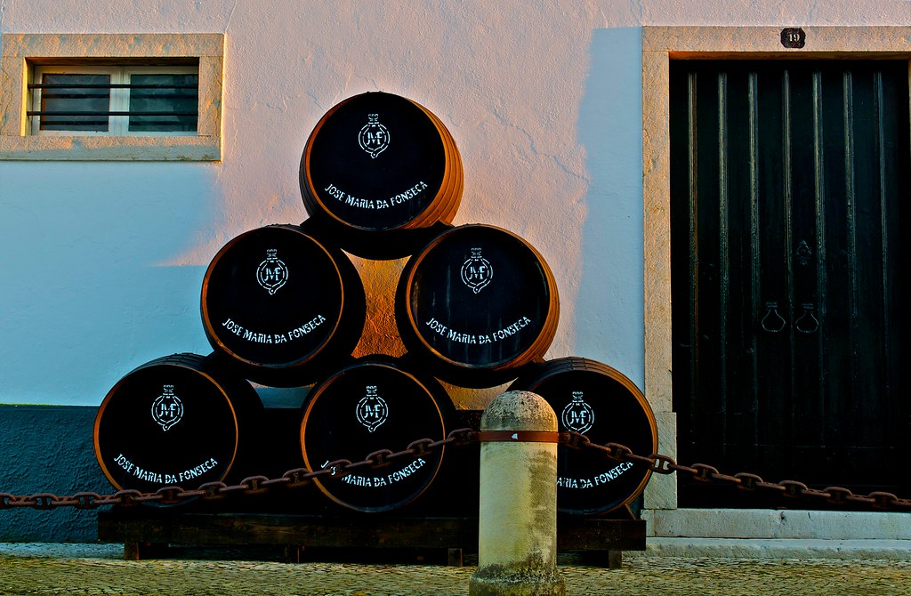 A Guide to Setúbal Wine from Portugal
